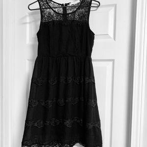FASHIONOMICS Women's SZ M Black Laced Dress NWOT